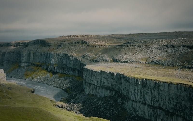 JOUR 5 : Egilsstaðir – Dettifoss – Húsavík – Mývatn Haut-plateau lunaire – Cascade la plus puissante d'Europe – Canyon glaciaire –Observation des baleines