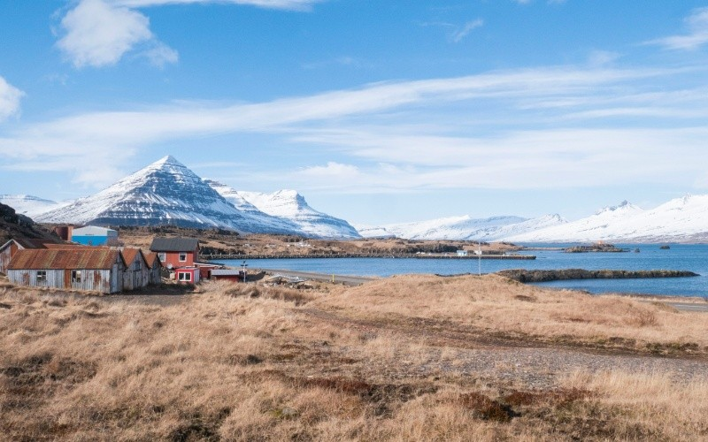 JOUR 4 : Höfn – Djúpivogur – Reyðafjörður – Egilsstaðir Fjords encaissés – Montagnes escarpées – Littoral pittoresque – Collection de minéraux
