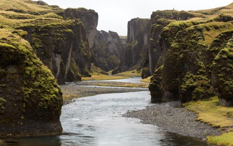 JOUR 7 et 8 : KIRKJUBAEJARKLAUSTUR – PARC NATIONAL DE SKAFTAFELL Landmanalaugar - Parc National de Skaftafell – Systrafoss