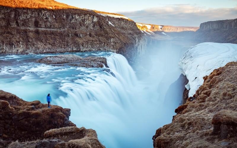 JOUR 2 : LE CERCLE D'OR – Thingvellir – Geysir – Gullfoss – Laugarvatn