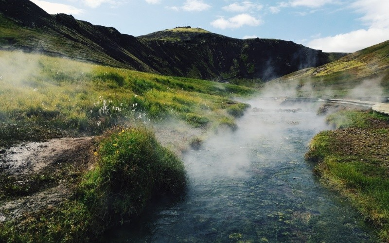 JOUR 1: Arrivée – Hveragerði