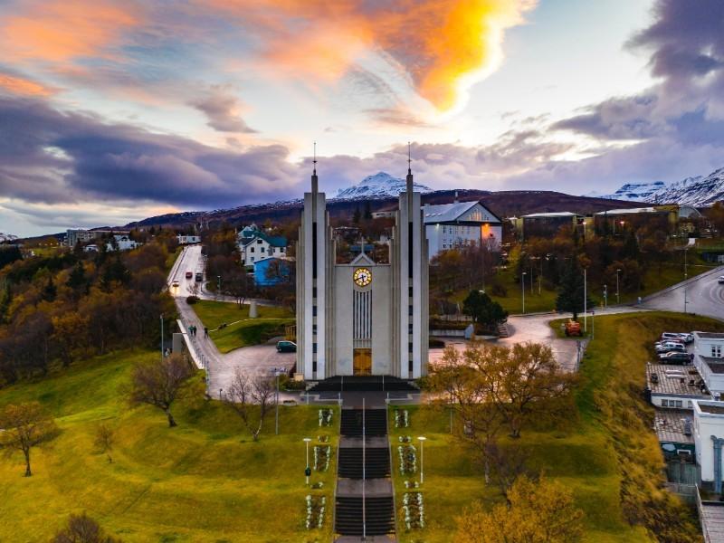 JOUR 9 : AKUREYRI ET SES ENVIRONS –  Iles de Grimsey - Skagafjörður