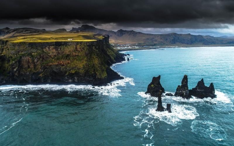 JOUR 5 et 6 : CÔTE SUD – VIK Skógafoss - Dyrhólaey - Myrdalsjökull