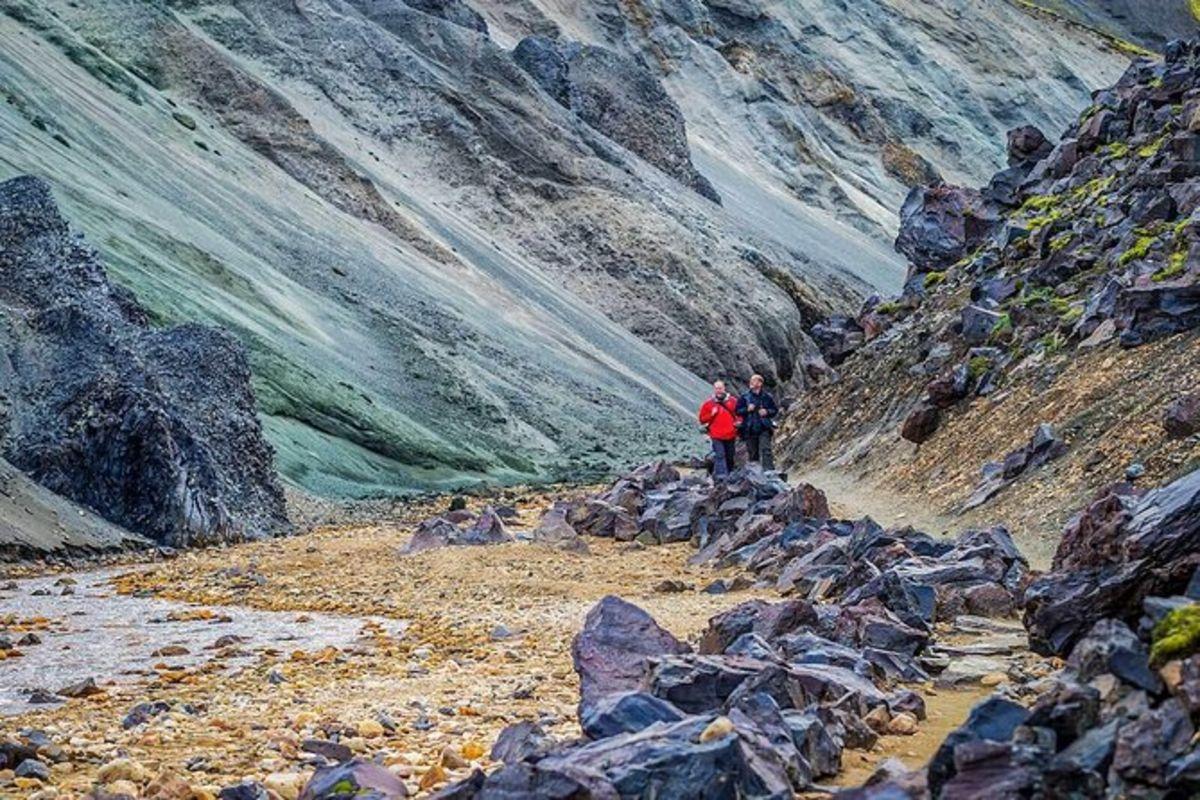 Sources chaudes de Landmannalaugar et randonnée dans les Highlands