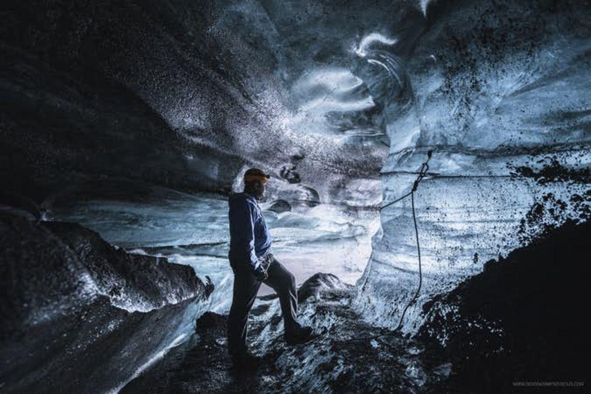 Courte visite de la grotte de glace à Vik | Sud de l'Islande