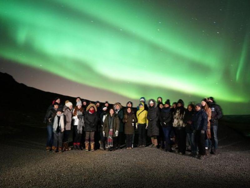 Excursion en minibus et en petit groupe à la découverte des aurores boréales au départ de Reykjavik